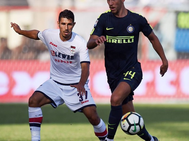 Late again? Inter nets 2 in final minutes to get past Crotone