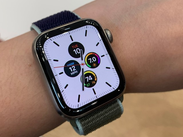 Apple discontinued last year's Apple Watch Series 4 after announcing its brand-new watch — here's how to decide between the Series 3 and Series 5 (AAPL)