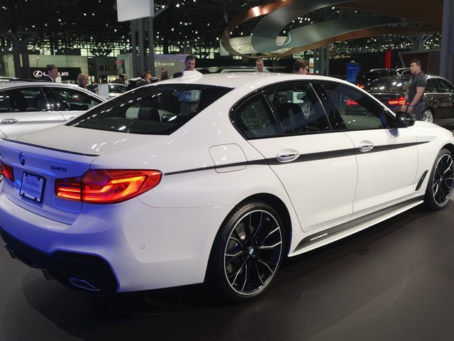 2017 New York Auto Show: BMW 540i wearing M Performance Parts