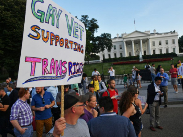 White House to give guidance on Trump transgender military ban