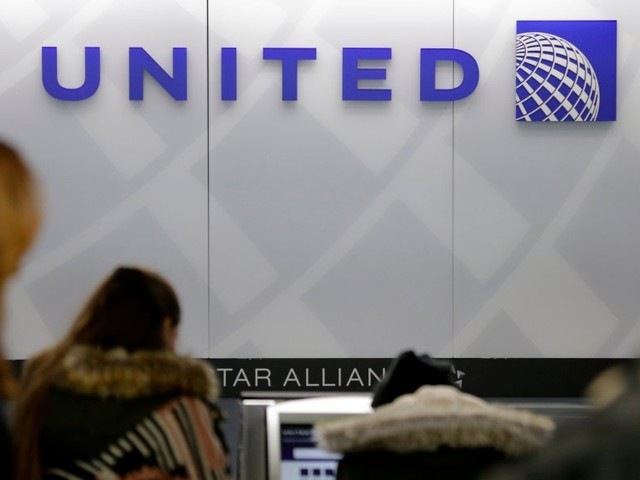 The frustrating reason airlines overbook flights (UAL)