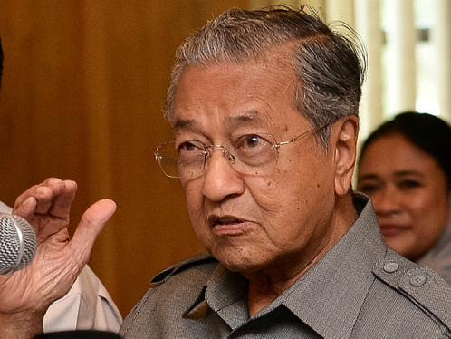 Tun M concedes problem in state seats distribution