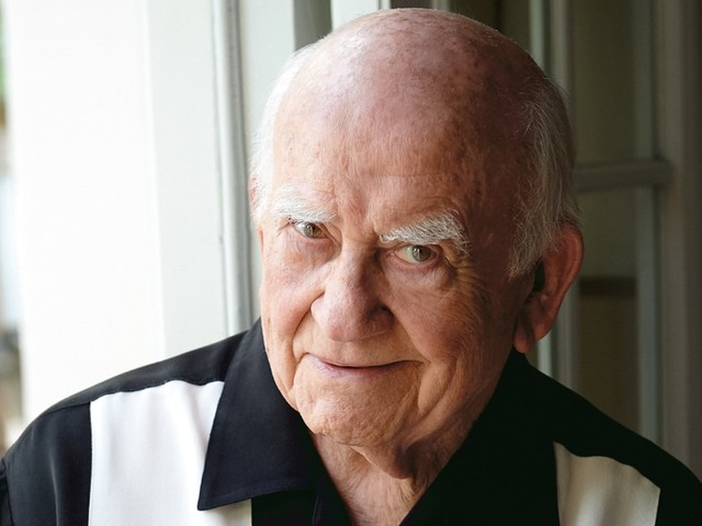 Ed Asner Remembered by Josh Gad, Jon Cryer and More: 'I Am Heartbroken to Say Goodbye'