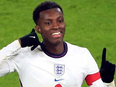Record breaker Nketiah helps England Under-21s to Euros