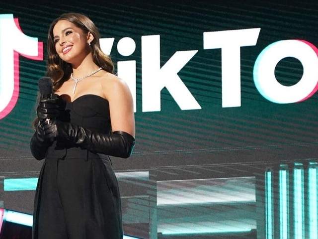 A TikTok exec says livestreaming and replying to user comments are key growth drivers for creators