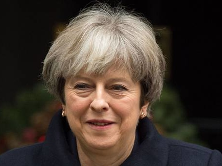PM races to revive Brexit talks as Irish border row threatens to drag into 2018