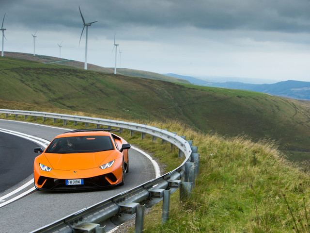 Lamborghini Huracan Performante: celebrating one of the last V10 engines