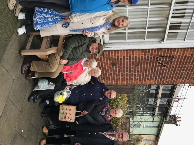 Frinton Rotary Club stumps up for new bench in Walton
