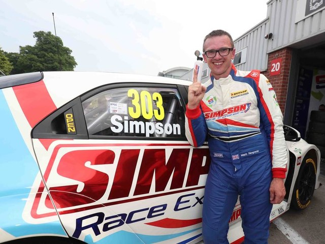 Honda Civic Type R driver Simpson stars in the BTCC at Oulton Park