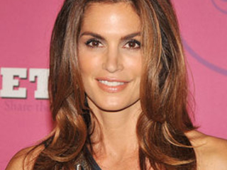 Cindy Crawford To Co-Host Art Van Award Of Hope