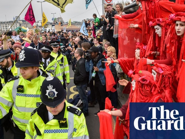 Extinction Rebellion climate blockades – day two in pictures