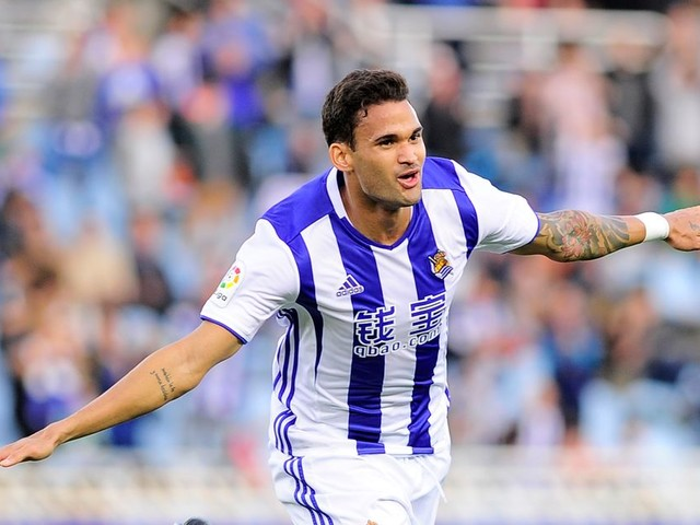 What became of Everton target Willian Jose?