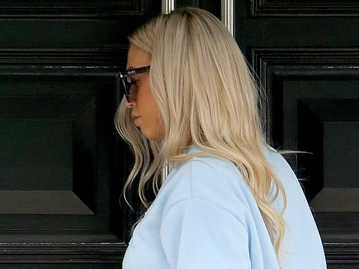 Tammy Hembrow shows off her fresh platinum locks on the Gold Coast