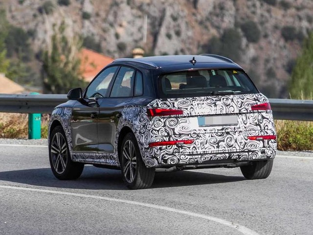 New Audi Q5: updated SUV caught ahead of 2020 release