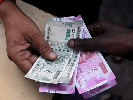 Rupee Gains By 28 Paise To Cross 72 Mark Against Dollar