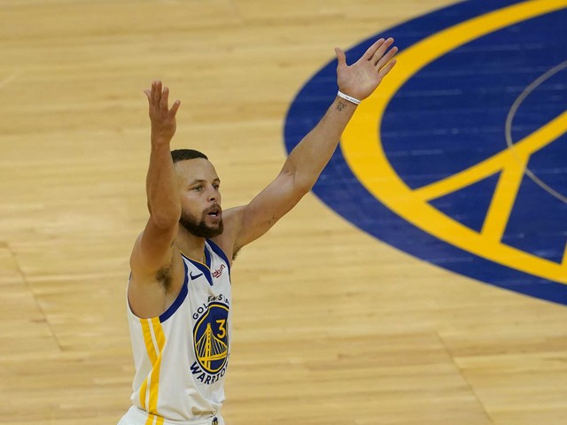 LeBron James endorses Steph Curry for NBA MVP ahead of Warriors-Lakers play-in game