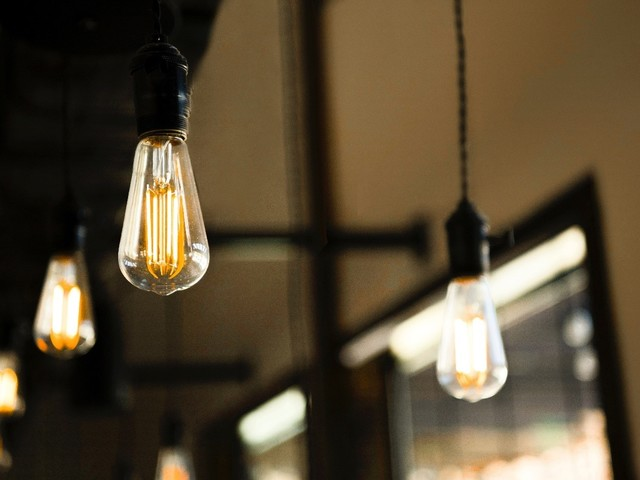 How to Dispose of Your Light Bulbs - UltraLEDS