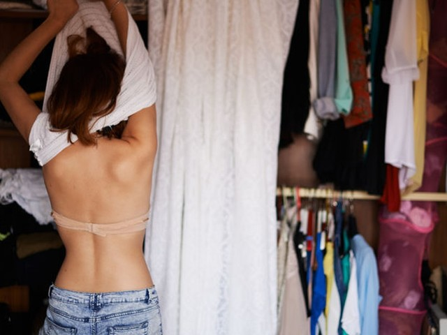 Do Dates Care About Messy Closets? Here's The Truth
