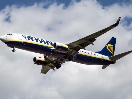 Ryanair pilots plan strike before busy holiday travel period