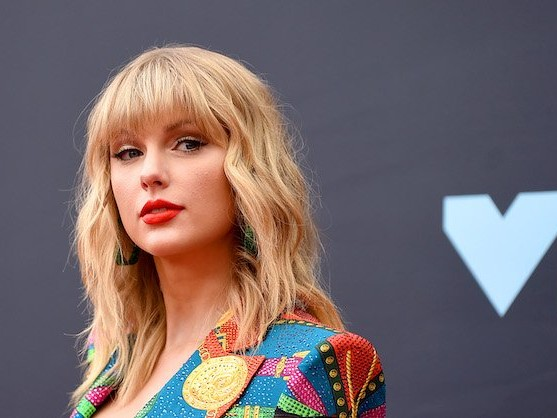 Truth About Taylor Swift Feuding With Other Singers