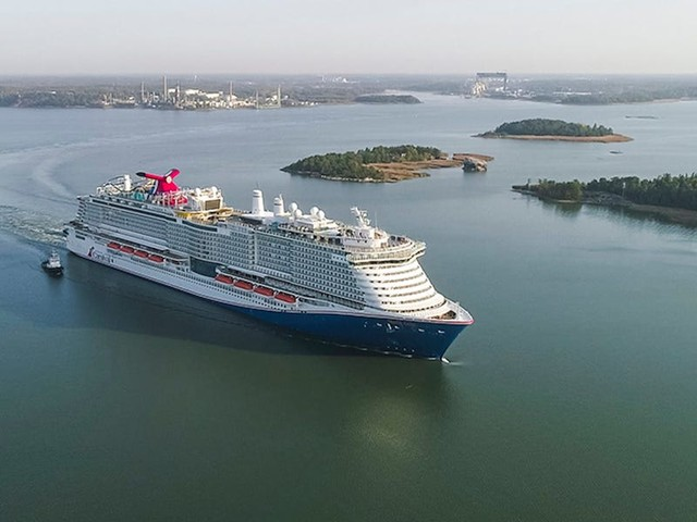 Cruise lines will have to mandate masks even by the pool and nix buffets for trial sailings without vaccine requirements, CDC says