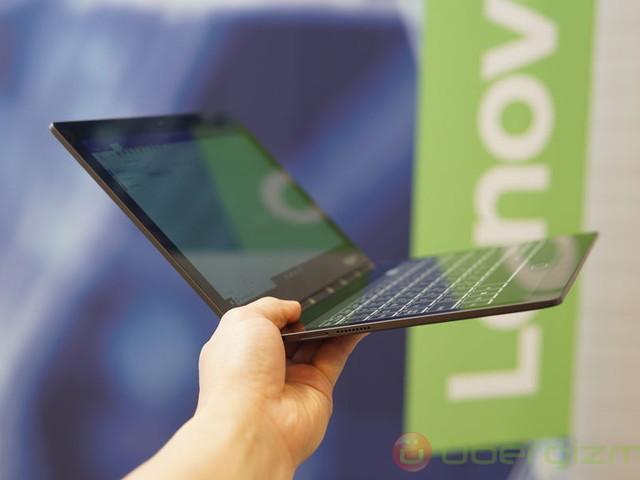 Lenovo Yoga Book C930 Has E-ink Secondary Display