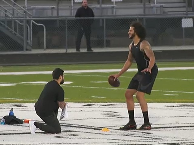 Kaepernick throws passes for 40 minutes at odd NFL workout