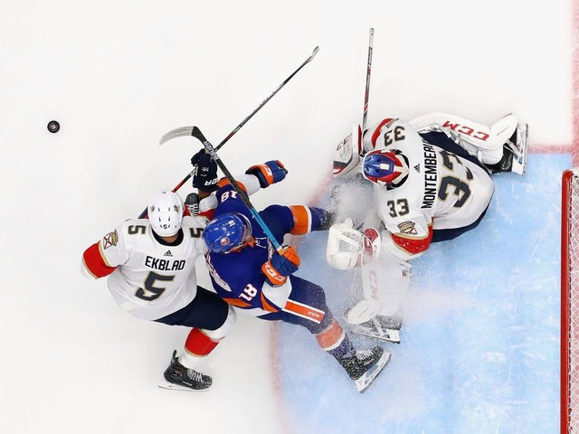 Panthers Lose 3-2 In Shootout With Islanders