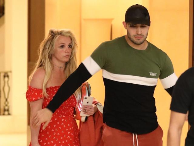 Britney Spears leaves mental health facility for 'day trip' with boyfriend Sam Asghari