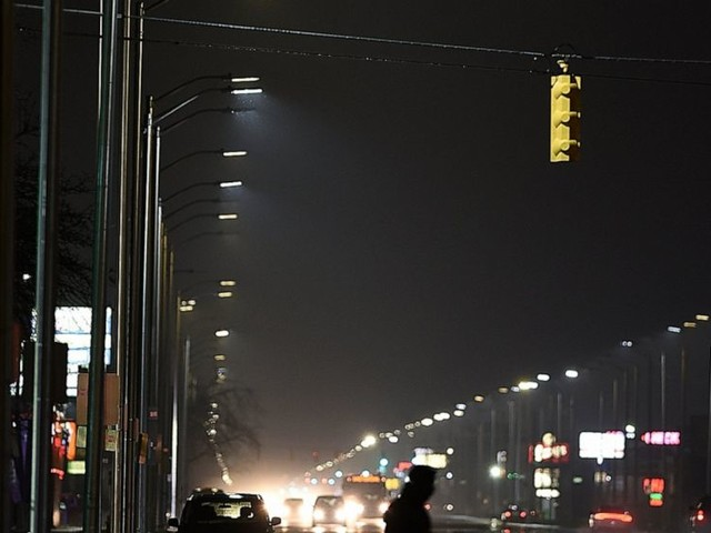 Lawsuit over bad Detroit lights settled for $4M by company