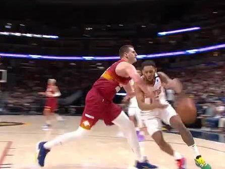 Nikola Jokic ejected on controversial flagrant-2 call in Nuggets-Suns elimination game