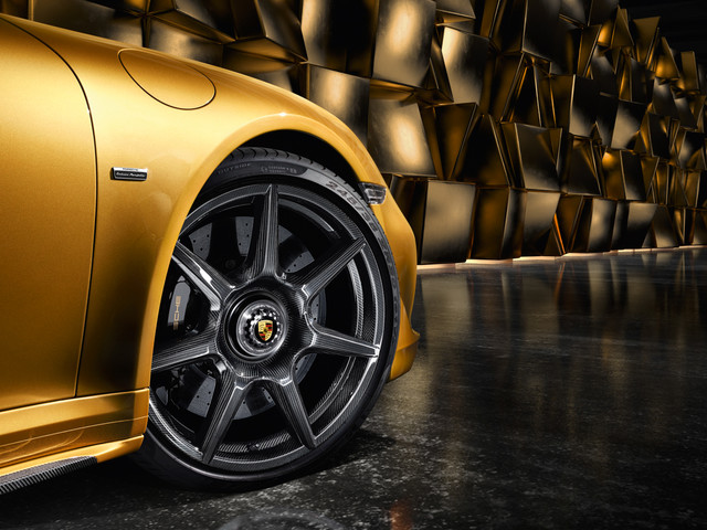Watch How Porsche Makes Its $15,000 Turbo S Exclusive Series Carbon Fiber Wheels [Video]