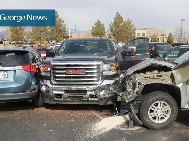 Driver loses control of truck, damages 6 other vehicles in Costco parking lot