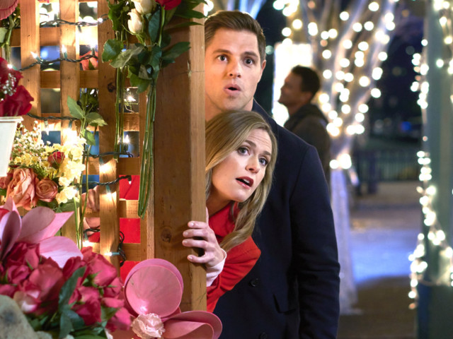 A Company Is Offering $1,000 To Watch Hallmark Christmas Movies ... But There's a Catch