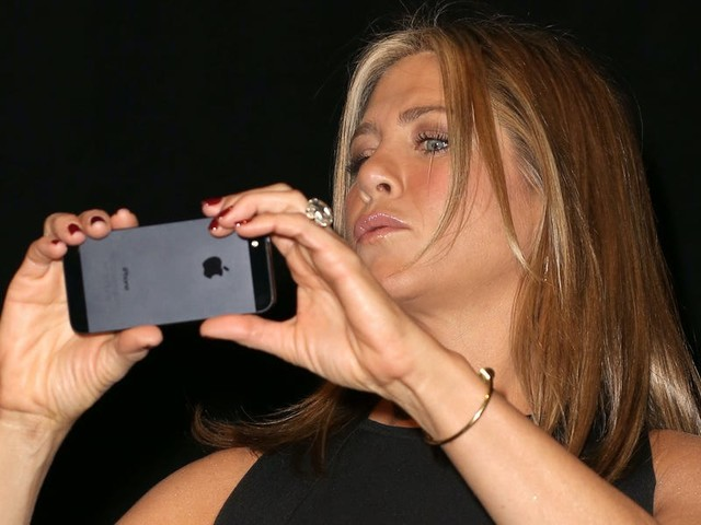 Jennifer Aniston bought a second phone that she uses just for Instagram so she doesn't get addicted