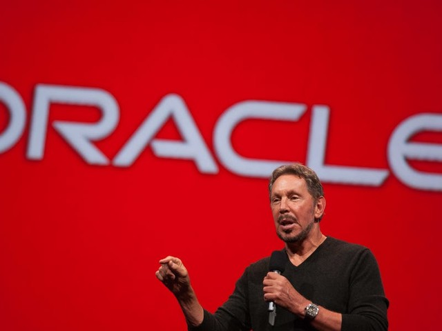 A Wall Street analyst says Oracle's 'greatest' growth opportunity is in cloud applications, but it's likely to be a 'multi-decade, slow-moving' process (ORCL)