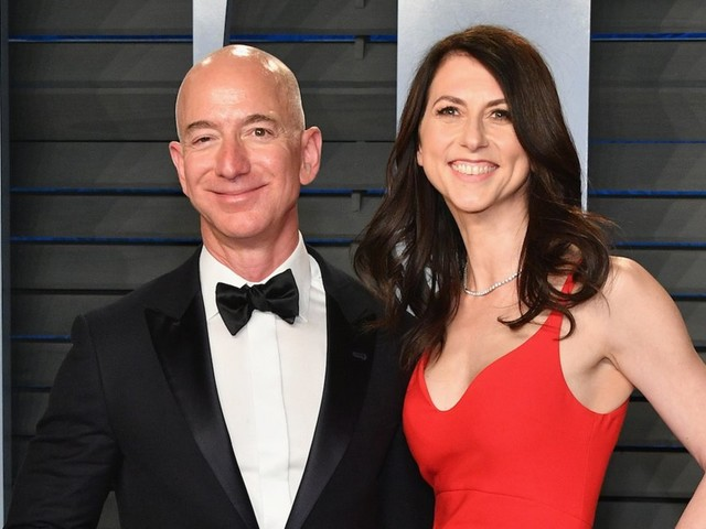 Jeff Bezos and MacKenzie Bezos have finalized their divorce agreement, and he's getting 75% of the Amazon shares and voting control of the rest (AMZN)