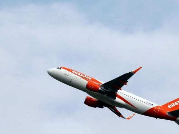 News: easyJet prepares for record breaking weekend as school holidays start
