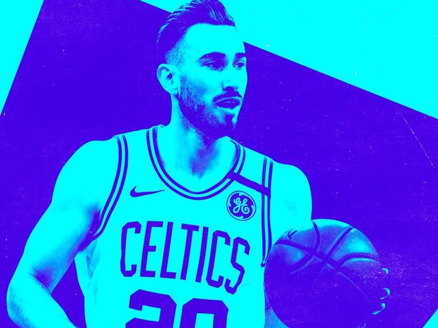 The Hornets Swoop In to Sign Gordon Hayward, Leaving Everyone Confused