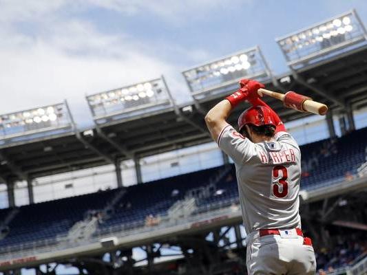 Harper's 3-run blast sends Phillies to 9-4 win over Indians