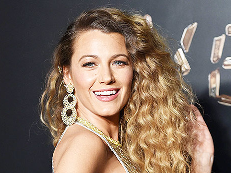 Blake Lively, 32, Admits She Misses Her Pre-Baby Abs After Giving Birth To Third Daughter