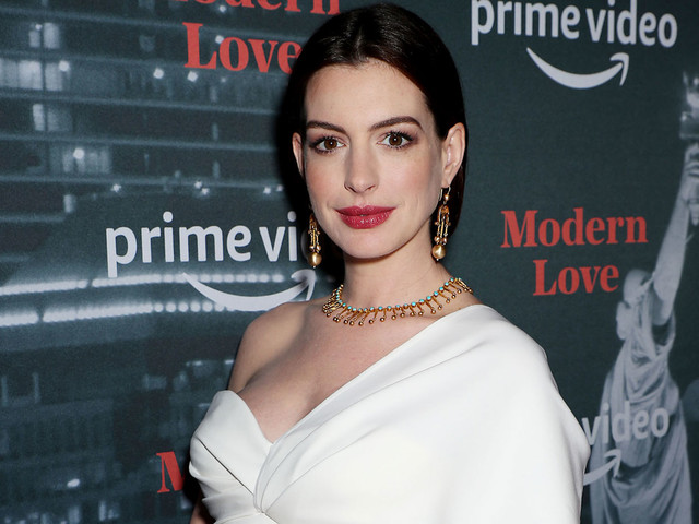 Pregnant Anne Hathaway Cradles Her Baby Bump at 'Modern Love' Event!