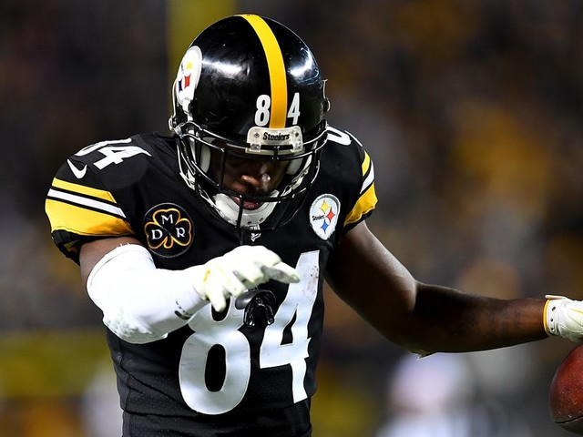 Top daily fantasy football plays for Week 14 of the NFL season