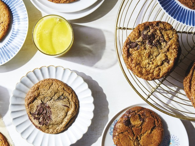 Baker Roxana Jullapat brings mother grains to modern times — and makes chocolate chip cookies