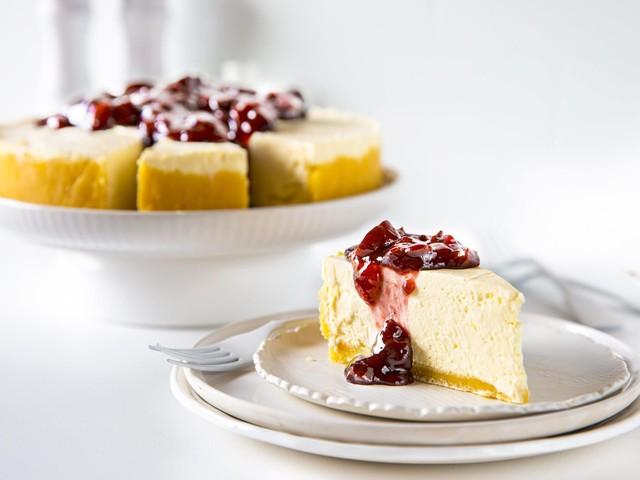 Cooking video: No-bake keto cheesecake