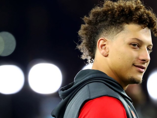 Patrick Mahomes is not a curse like Drake, thank god