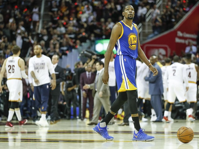 Warriors blown out in Game 4 by Cavaliers; 1st playoff loss
