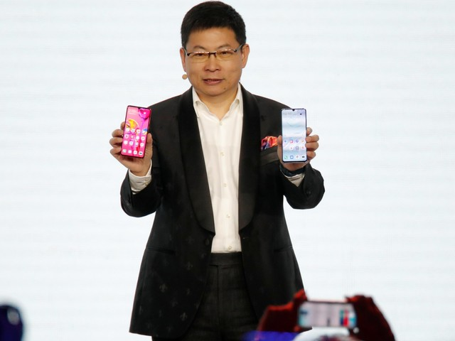 Tech execs who tried and failed to create new operating systems say Huawei's plan to replace Android with its own software will be almost impossible (AAPL, GOOGL, FB)