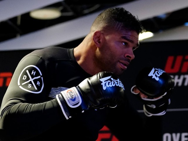 Overeem talks retirement, says career 'would not be complete without UFC gold'
