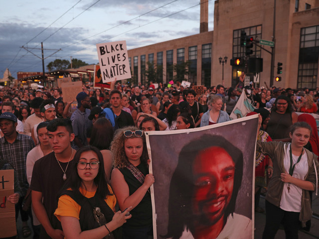 Thousands march in Minnesota after cop acquitted in Castile death